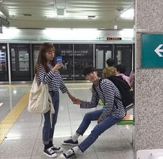 ulzzang, couple, and asian image Cute Korean, Korean Girl, Asian Girl, Cute Couples Goals, Couples In Love, Couple Goals, Matching Couples, Romantic Couples, Ulzzang Couple