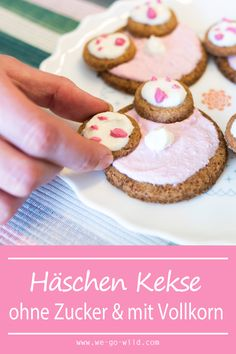 Bake funny Easter cookies: Easter bunnies without sugar - Ostern Desserts Ostern, Easter Cookies, Easter Bunny, Gingerbread Cookies, Sugar Free, Clean Eating, Low Carb, Baking, Food