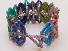 Catrina Jewels: peyote Helix bracelet