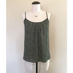❗️FINAL PRICE❗️Tank (B & W) Speckled Blouse sz S Tank (Black & White) Speckled Blouse sz S by LOFT▪️It's pre-owned but in great condition. The necklace is NOT included, sold separately.     NO TRADES NO PAYPAL LOFT Tops Blouses