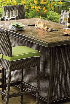 Chilly fall nights are just around the corner, so gather around the Palermo Counter Height Fire Table with your guests and enjoy great food and conversation comfortably.