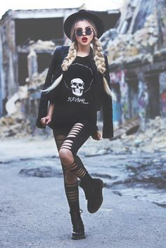 slull survival t-shirt, grunge style, dr martens boots, fashion blogger