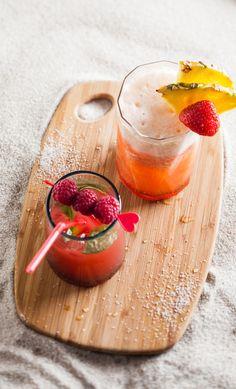 Pink Miami : 5 fraises + 16 cl de jus d'ananas  + 1 trait de sirop de fraise  + 3 glaçons  + ½ tranche d'ananas pour la deco