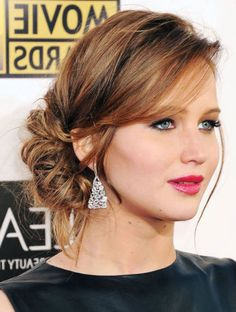 Chic and Sophisticated Chignon - 50 Ravishing Mother of the Bride Hairstyles - The Trending Hairstyle Semi Formal Hairstyles, Elegant Hairstyles, Messy Hairstyles, Wedding Hairstyles, Bridesmaids Hairstyles, Mother Of The Bride Hairstyles, Formal Updo, Mother Of The Bride Hair Short, Korean Hairstyles
