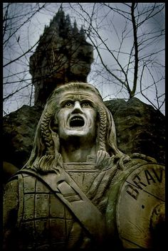 Statue of William Wallace Hero of Scotland  BRAVEHEART