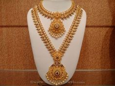 Latest Indian Bridal Necklace Sets, Indian Bridal Necklace Designs, Gold Bridal… subbarayudu and Bridal Necklace Set, Gold Necklace, Mango Necklace, Pearl Bracelet, Gold Jewellery Design, Gold Jewelry, Jewellery Box, Gold Bangles, Bohemian Jewelry