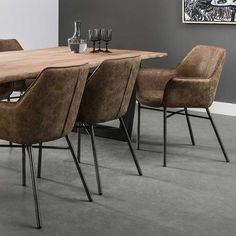 Design dining chair in brown armrests Room Chairs, Dining Chairs, Dining Table, Furniture Plans, Furniture Design, Chair Design, Brown Leather Chairs, Esstisch Design, Interior Architecture