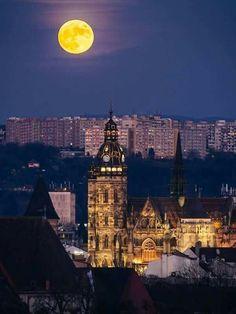 Beautiful Landscapes, Beautiful World, Romania, Big Ben, Cities, Sweet Home, Building, Travel, Europe