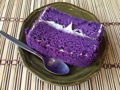 Ingredients: 2 1/2 cups cake flour 3 teaspoons baking powder 1 teaspoon salt 1 cup ube, cooked and finely grated 3/4 cup milk 1 teaspoon vanilla extract 1/2 cup corn syrup 1/2 cup vegetable oil 7 egg whites 1 teaspoon cream of tartar 1 cup white sugar 5-6 drops red food color 5-6 drops blue …
