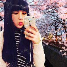 【miyako.moon】さんのInstagramをピンしています。 《Should I cut my hair?💇🏻 M I Y A K O - - #美夜子 #桜 #おやすみなさい #selfie #東京 #カナダ #halfie》