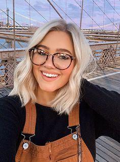 Coiffure carré long 2020 : 50 idées de coiffures carré long - Lucette Blunt Hair, Girl Tips, Girls Selfies, Good Hair Day, Girl Body, Hair Inspo, Cool Hairstyles, Hair Makeup, Hair Cuts