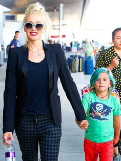 @gwenstefani's little one spotted with blue #hair!