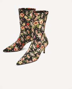 Image 4 of FLORAL FABRIC HIGH HEEL ANKLE BOOTS from Zara
