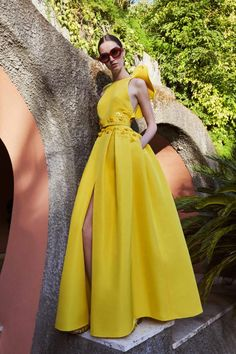 Unique Design Yellow Satin Sexy Backless A-line Long Cheap Prom Dresses, - Unique Design Yellow Satin Sexy Backless A-line Long Cheap Prom Dresses, Source by aamamda - V Neck Prom Dresses, Cheap Prom Dresses, Strapless Dress Formal, Evening Dresses, Formal Dresses, Yellow Formal Dress, Yellow Dress Summer, Long Summer Dresses, Long Dresses