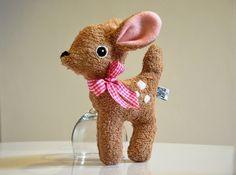 Rassel Knister- Reh, Geschenk zur Geburt / cute little fawn, birthday gift, bambi by Puccino via DaWanda.com