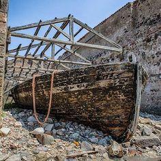 "Vecchia barca @ Tonnara ""su pranu"". Portoscuso (CI). Old boat @ ""su pranu"" ancient ship-yard #instaphoto #igersitalia #instacool #holidays #vacanze #sardinia #sardegna"