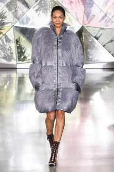 Christian Siriano Fall 2020 Ready-to-Wear Fashion Show - Vogue Christian Siriano, New York Fashion, Runway Fashion, Fashion Models, High Fashion, Couture Fashion, Fashion Brands, Vogue, Mode Chic