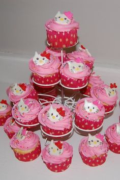 hello kitty cupcakes cake - Google Search