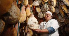 """Uma empresa dirigida por três mulheres da mesma família em Catanduva (385 km de São Paulo) é a única do Brasil na produção de jamón (pronuncia-se """"ramon"""") ..."""