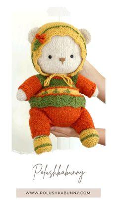 Teddy Bear Knitting Pattern, Baby Knitting Patterns, Hand Knitting, Stuffed Animal Patterns, Diy Stuffed Animals, Teddy Bear Toys, Knitting Supplies, Doll Clothes, Dolls