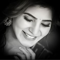 Creative Gifts For Photographers [It doesn't have to be costly] Samantha In Saree, Samantha Ruth, Samantha Images, Saree Poses, Indian Photoshoot, Stylish Girl Images, Actor Photo, Beautiful Bollywood Actress, Photography Women