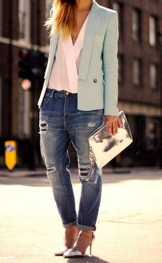 Zara Blazer With White Blause, Suitable Handbag, Shoes and Jeans - Total Street Style Looks And Fashion Outfit Ideas Look Blazer, Zara Blazer, Mint Blazer, Zara Shirt, I Love Fashion, Spring Fashion, Womens Fashion, Style Fashion, Street Style