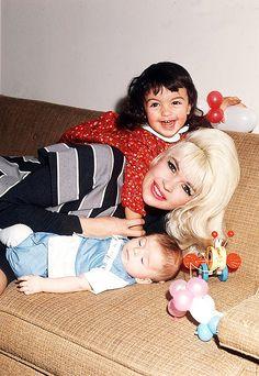 Jayne Mansfield with her children, Mariska Hargitay and Antonio Cimber, 1966