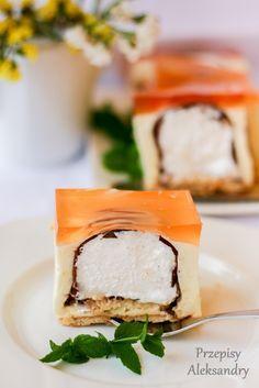 No bake lemon cheesecake with choco softies/ Cytrynowy sernik na zimno (bez pieczenia) z ciepłymi lodami Polish Recipes, Polish Food, Tiramisu Cake, Feta, Sweet Tooth, Sandwiches, Cheesecake, Cream, Breakfast