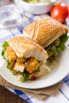 Spicy Cornmeal-Crusted Tofu Sandwiches (sub flavored mayo for guac) Easy Thanksgiving Recipes, Easy Holiday Recipes, Healthy Recipes On A Budget, Tofu Sandwich, Vegan Sandwiches, Vegetarian Sandwich Recipes, Appetizer Recipes, Vegan Recipes, Wraps