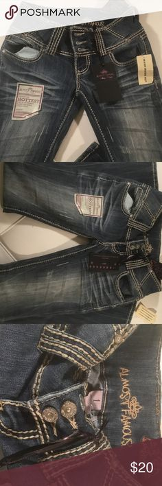 Almost Famous Jeans Hot 🔥Denim Boot Cut Ladies Sm Almost Famous Jeans Hot 🔥Denim Boot Cut Ladies Sm Great fit, soft feel nicely worn💋💋💋 Almost Famous Jeans Boot Cut