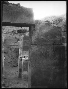 Plaque de verre S.30 - Saqqara, Mastaba de Nfr-sšm-rʾ, Montant de porte Nord
