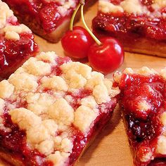 Cherry Pie Crumble Bars - Best Ever ~ The best cherry bars ever! Luscious cherry crumble bars with homemade or prepared tart cherry pie filling and a crust that tastes like pie pastry! Cherry Desserts, Köstliche Desserts, Delicious Desserts, Yummy Food, Dessert Recipes, Cherry Pie Recipes, Cherry Pie Filling Desserts, Bar Recipes, Recipies
