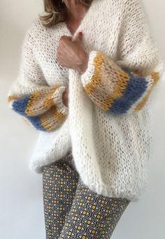 Mohair Sweater, Knit Cardigan, Knitting Designs, Knitting Patterns Free, Knitting Yarn, Easy Knitting, Crochet Shirt, Knit Crochet, Big Knits