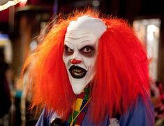 There are some strange phobias out there, but coulrophobia, the fear of clowns, is actually pretty common. Check out these pictures of scary clowns that will Halloween Circus, Scary Halloween Costumes, Halloween Make Up, Halloween Party, Halloween Photos, Halloween Projects, Vintage Halloween, Halloween Ideas, Clown Makeup