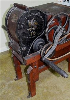 Very rare 10 saw cotton gin made in Bridgewater MA - Jan 2017 Cotton Gin, Ms, Auction, Antiques, How To Make, Antiquities, Antique, Old Stuff