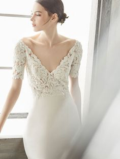 Annasul Y. wedding dress is renowned for the retro ultra-glam design. See the latest collection of Annasul Y. Fit And Flare, Lusan Mandongus, Wedding Dress Chiffon, Beautiful Wedding Gowns, Wedding Background, Yes To The Dress, Designer Wedding Dresses, Bridal Style, Bridal Gowns