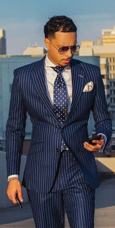 A Beginners Guide to Choosing, Buying, and Wearing a Men's Suit ~ Fashion & Style Mens Fashion Blog, Mens Fashion Suits, Mens Suits Style, Fashion Sites, Fashion Trends, Dapper Gentleman, Gentleman Style, Sharp Dressed Man, Well Dressed Men