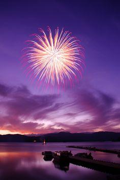 Fireworks on the Lake, Fukushima, Japan 湖上の花