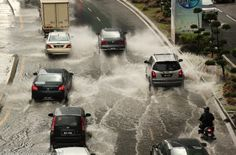 Photo Of The Week – Rainstorm in Kuala Lumpur City Centre in Malaysia