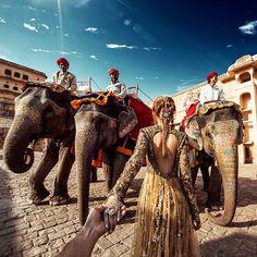 Photographer follows his girlfriend through India in beautiful Instagram series.