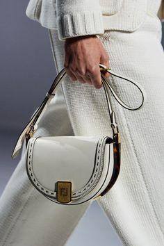 Retro Chic, Trend Fashion, Fashion Bags, Fashion Hub, Vogue Paris, Handbag Accessories, Fashion Accessories, Chloe, Vestidos