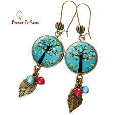 """Boucles d'oreilles """" Jardin d'Eden """" arbre petites fleurs cabochon turquoise bronze bijoufantaisie : Boucles d'oreille par bronze-n-roses"""