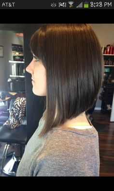 New hair cuts a line side bangs 22 Ideas Medium Long Hair, Medium Hair Cuts, Long Hair Cuts, A Line Haircut, Mom Hairstyles, Haircuts With Bangs, Hair Highlights, Hair Dos, New Hair