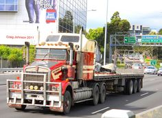 Clevelends big Kenworth and Flatbed Trailer Cruise the Monash FWY South Yarra Melbourne in 2011 Big Rig Trucks, Semi Trucks, Cool Trucks, Kenworth Trucks, Pickup Trucks, Flatbed Trailer, Trailers, Secret Squirrel, Road Train