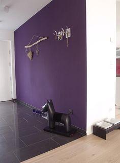 2018 pantone color of the year, pantone color of the year dark purple accent wall, pantone ultra violet, bright purple TOILLETTE 1 mur Purple Accent Walls, Purple Accents, Bright Purple, Purple Wall Paint, Color Uva, Colour, My Home Design, Design Design, House Design