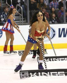 Ice Girls, Girls Golf, Hockey Girls, Female Sports, Sports Women, Dallas Cheerleaders, Professional Cheerleaders, Cute Brunette, Celebrity Bikini