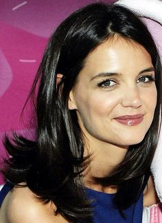 Katie Holmes, Medium Length Layers
