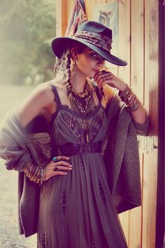 * SWEET * Love the Western look, I must be from another era in time, LOL !