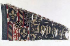 FÄHNCHEN KZ-5738.1-2 Fähnchen. Burgunderkriege 1476/77. Zeltfähnchen Herzogs Karl der Kühne von Burgund. Leinwand, bemalt. Um 1476. Herkunft: Murten (FR), Schlachtfeld. Masse: Höhe 32 cm, Breite 58 cm. (KZ-5738.1-2) Lit.: 'A. u. B. Bruckner, Schweizer Fahnenbuch, St. Gallen, 1942', Nummer 1039