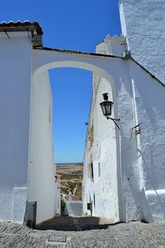 Monsaraz, Portugal Monsaraz, Portugal Travel, Algarve, Exploring, Mount Rushmore, Flora, Places To Visit, Europe, Houses
